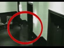 ขนลุก !!! วิญญาณ เดินตาม หญิงสาว คลิปจากกล้อง CCTV ...