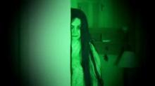 แสงสีเขียวในห้องปิดตาย